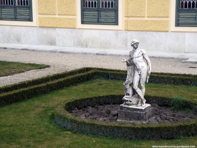 Schönbrunn 28