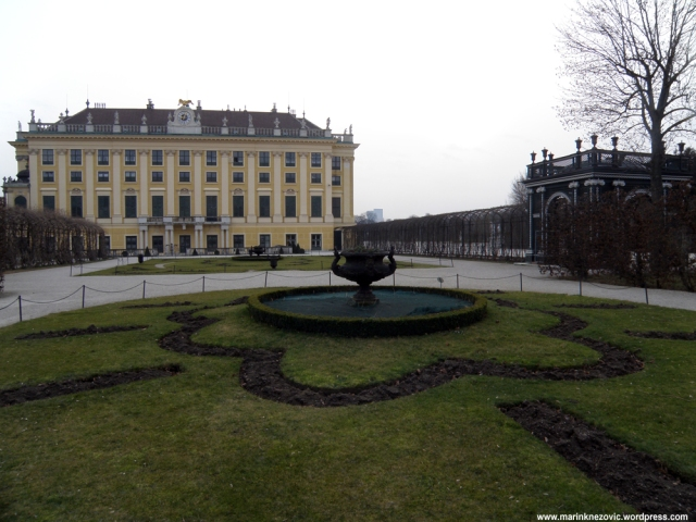Schönbrunn 32