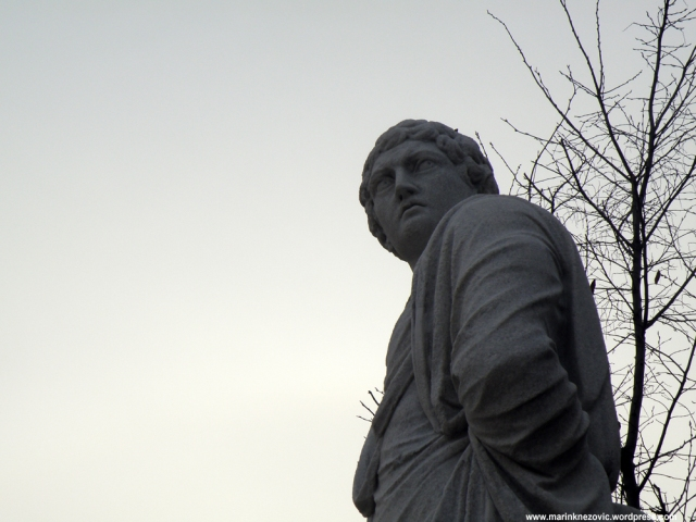 Schönbrunn 33