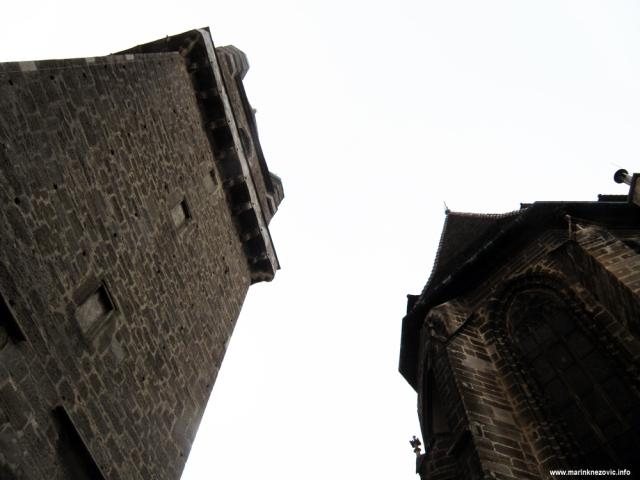 Perchtoldsdorf, obrambena kula. crkva sv. Augustina