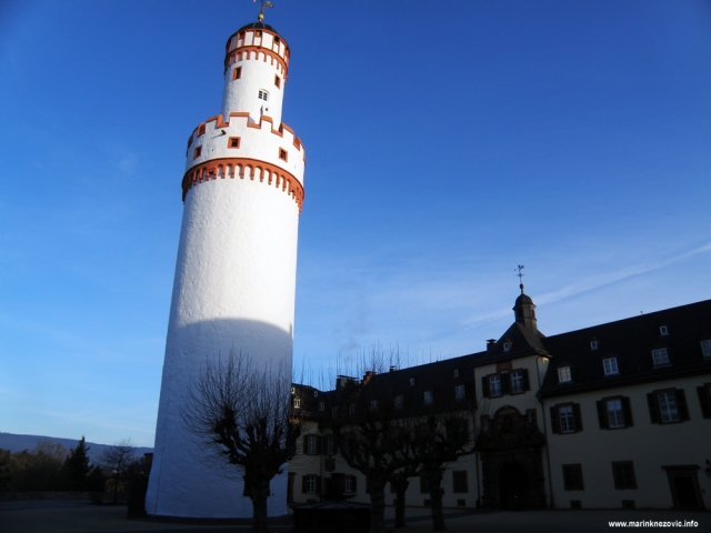 Bad Homburg, dvorac, bijela kula