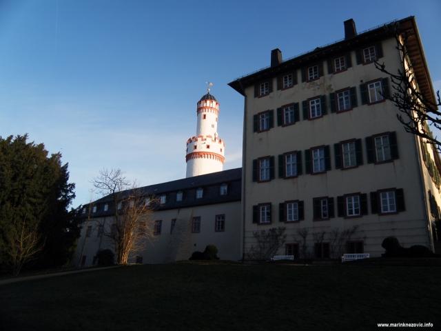 Bad Homburg dvorac, bijela kula