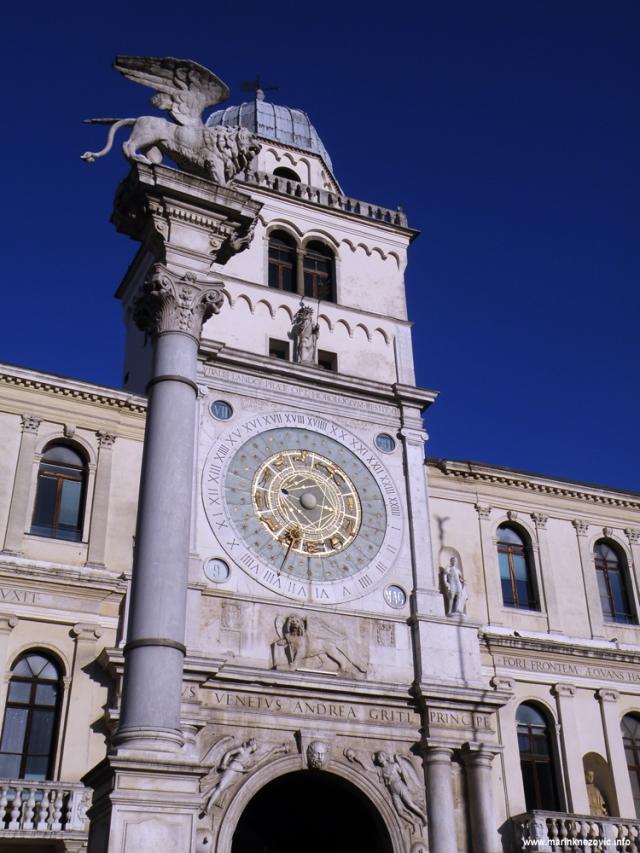 Padova, Piazza dei Signori, Torre dell'Orologio , La Colonna Marciana
