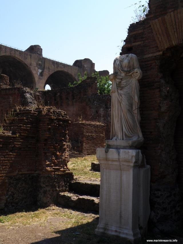 Rim - Atrij Vestalki
