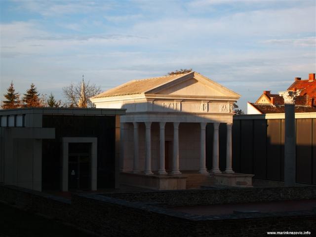 Sambotel, Szombathely, Izidin hram, Savaria