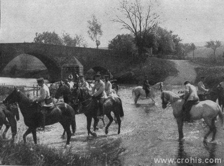 Njemački kadeti još početkom 20. st. uglavnom vježbaju na konjima. Skorašnji rat pokazat će zastarjelost takve obuke i konjice uopće.