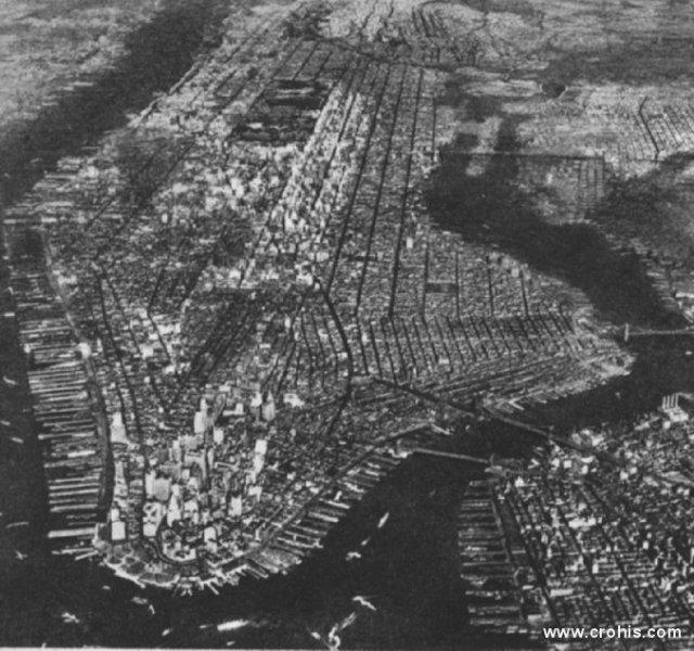 Manhattan gledan iz zraka. Već u razdoblju pred 2. sv. r. središte gospodarske moći se prenijelo preko Atlantika u SAD. Pred New Yorkom veliki europski centri izgledaju mali i zastarjeli.