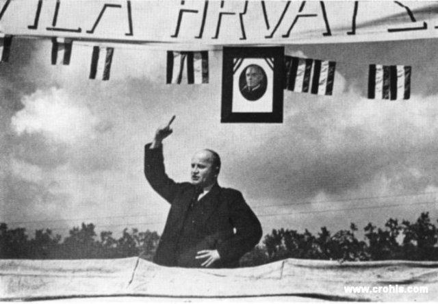 Ing. Augustin Košutić govori na skupu u Jastrebarskom. Patetične geste govornika prije 2. sv. r. nisu bile rezervirane samo za totalitarne vođe poput Mussolinija, Hitlera i Lenjina već su bile sastavni dio političke agitacije svih stranaka pa tako i HSS-a.