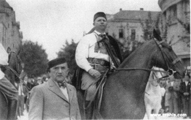 Djuka Kemfelja (na konju) vrhovni zapovjednik Hrvatske seljačke i građanske zaštite.