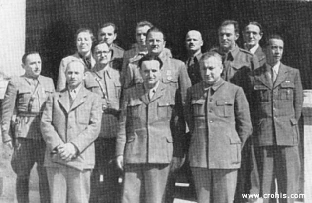 """""""Prva narodna vlada Hrvatske"""" . 14. travnja 1945. u Splitu je oblikovana """"prva narodna"""" Vlada Hrvatske. U njoj je bilo i građanskih političara, ali su glavnu ulogu u njoj imali komunisti na čelu s Vladimirom Bakarićem. Premda se proglasila """"prvom narodnom vladom"""" njezin je legitimet bio utemeljen na oružanoj borbi, a ne demokratskim izborima."""