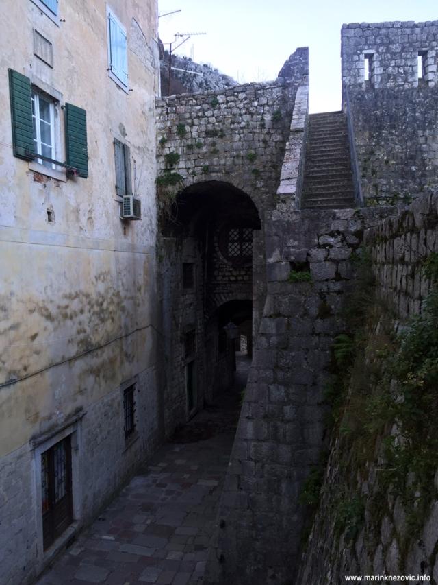 Vrata na Gurdiću