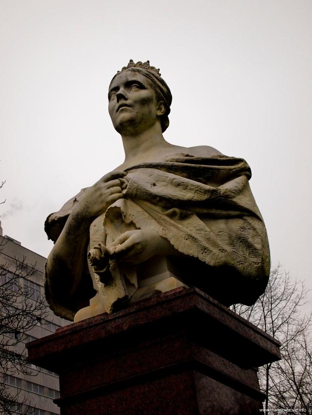 Spomenik carici Victoriji, udovici Friedricha III.