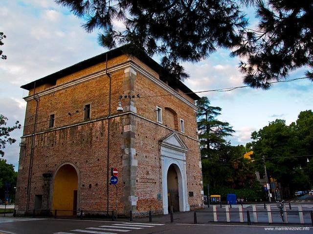 Vrata sv. Križa Padova