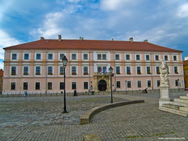 Zgrada glavnog zapovjedništva (Generalatshaus)