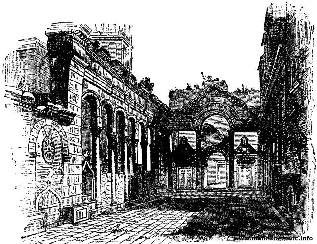Peristil Dioklecijanove palače
